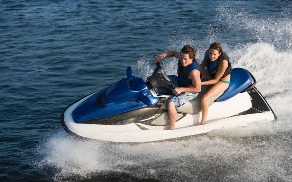 Art. 1007 : circuler sur le lac en toute sécurité